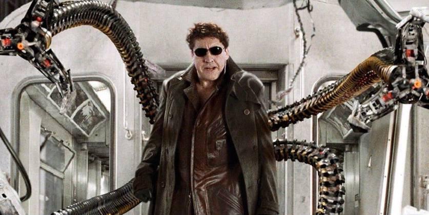 Alfred Molina como Doutor Octopus