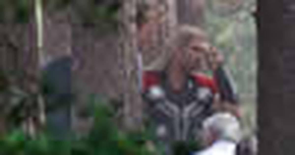 Os Vingadores 2 | Vídeo do set mostra Feiticeira Escarlate em ação
