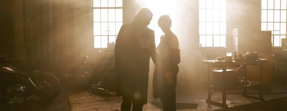 Matrix 4 ajudou Lana Wachowski a lidar com luto após morte dos pais