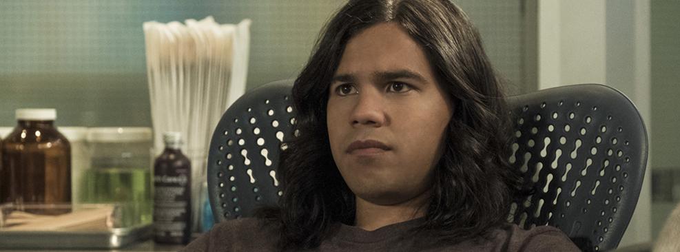 Carlos Valdes em cena de The Flash/CW