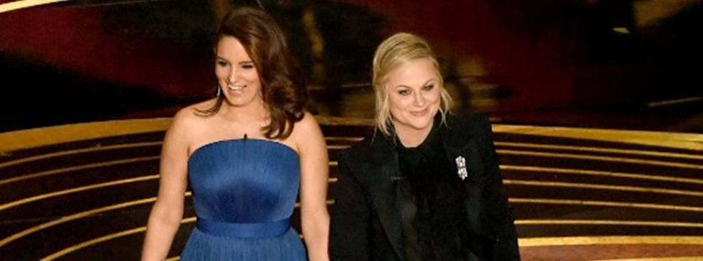 Tina Fey e Amy Poehler vão apresentar Globo de Ouro em 2021