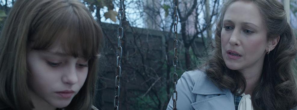Madison Wolfe e Vera Farmiga em Invocação do Mal 2/Warner Bros.
