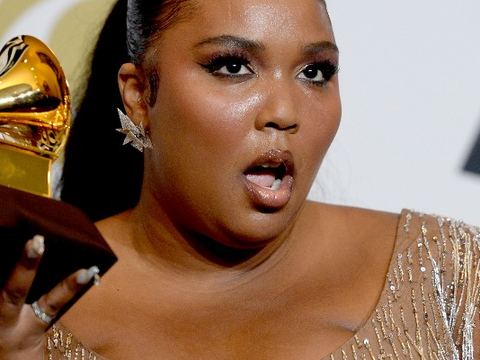 Lizzo no Grammy 2020 (via Amanda Edwards/AFP)
