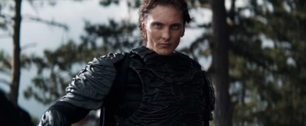 Eamon Farren como Cahir na série de The Witcher