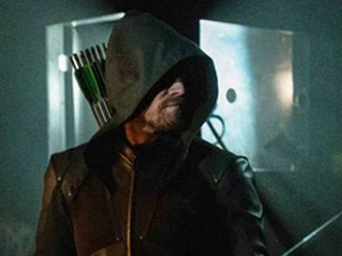 Arrow | Stephen Amell se despede da série antes do episódio final