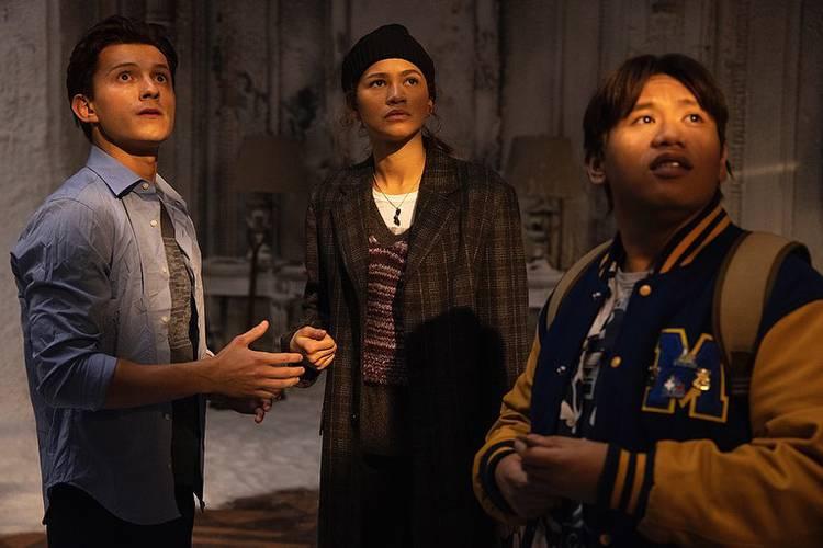 Tom Holland, Jacob Batalon e Zendaya em Homem-Aranha: Sem Volta Para Casa