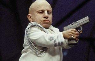 Verne Troyer, conhecido por interpretar Mini-Me em Austin Powers, morre aos 49 anos