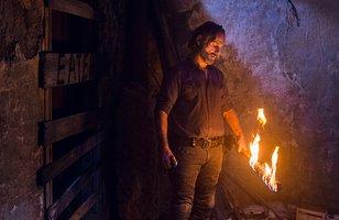 The Walking Dead | Em episódio coroado por luta épica entre Rick e Negan, guerra avança e novo mistério surge