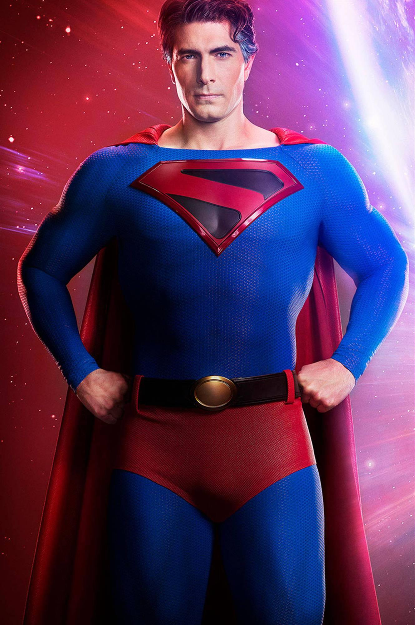 Brandon Routh como Superman em Crise nas Infinitas Terras