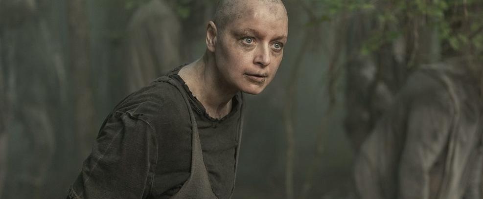 Samantha Morton como Alpha em The Walking Dead
